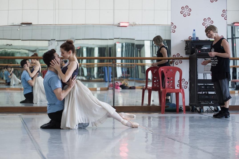 Joburg Ballet_Aaron Smyth_Burnise Silvius_Beverley Bagg_Romeo & Juliet rehearsals_2_Photo Lauge Sorensen_Med Res.jpg